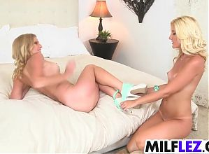 Super sexy lesbian babes playing