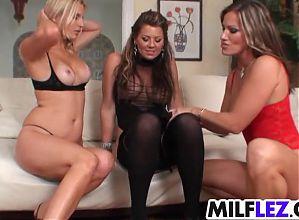 All lesbian MILF Sexyness