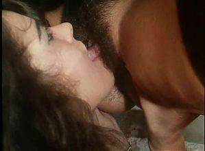 Lesbian scene Sogni Bagnati d Amore (1994) Angelica Bella