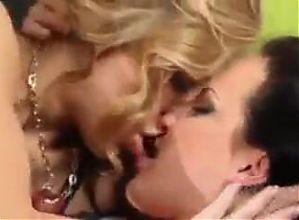 Lesbian Hot Kissing