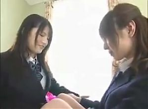 JAPANESE GIRLS KISS 6